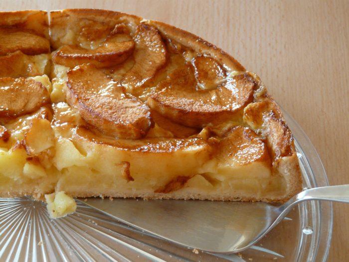 Reteta de placinta cu mere si branza
