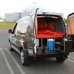 Un camper este dotat cu tot ce ai nevoie pentru o saptamana pe drum