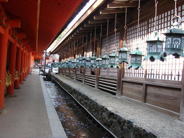 Nara, vechea capitala imperiala, plina de temple superbe si de caprioare